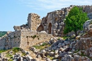 4902769-ruined-ancient-nimrod-fortress-on-the-golan-heights-israel
