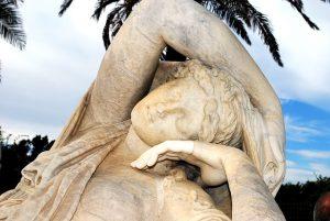 statue-sleeping